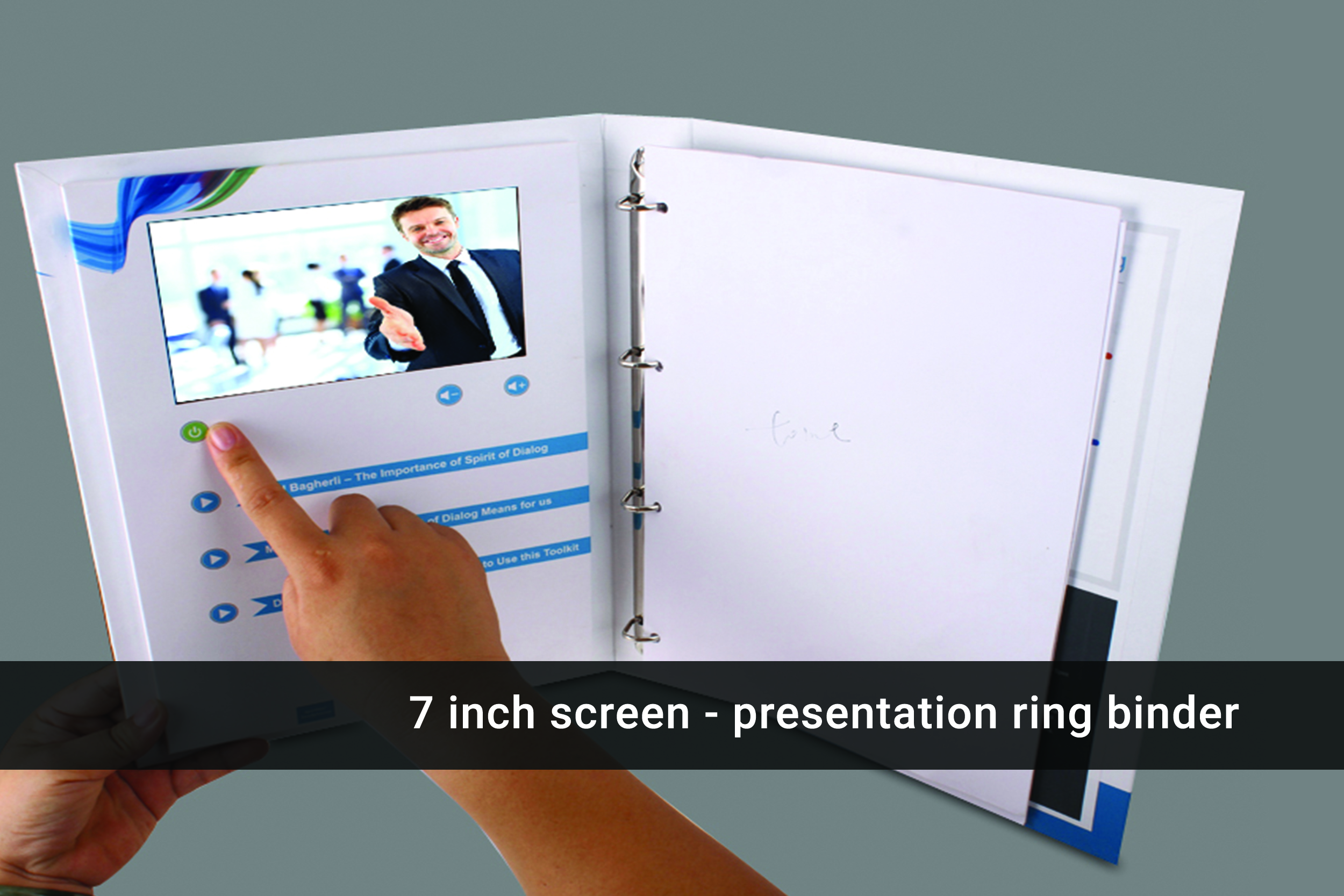 7 inch video player in 3 ring binder