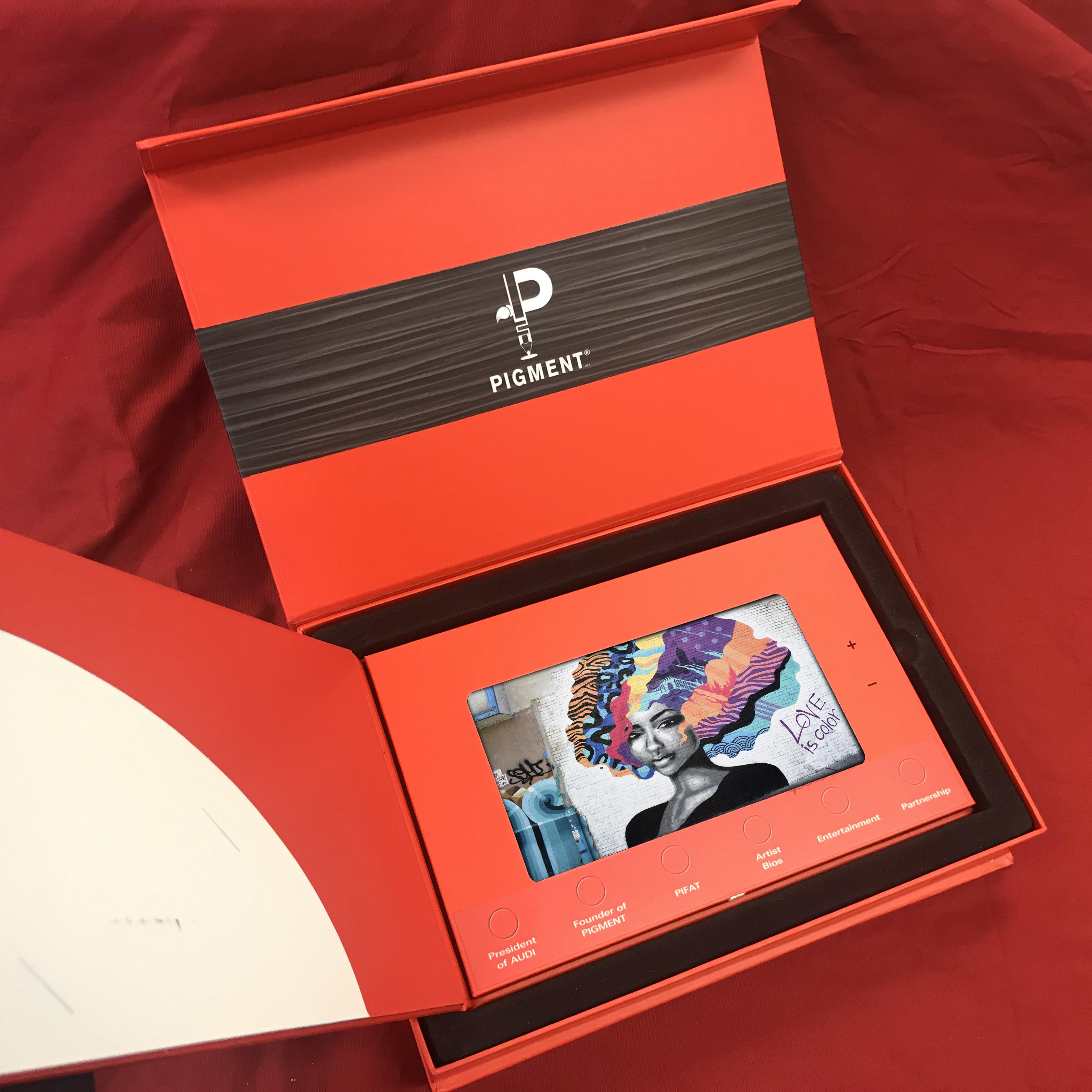 Custom video box with 7 inch LCD screen